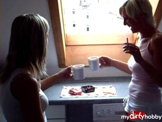 Kaffeetrinken mit Teenpussy18