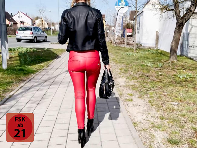 Die perverseste Straßenschlampe Bayerns   Ralf´s geilster Tag! ONEMANSPERMAPISSBUKKAKE