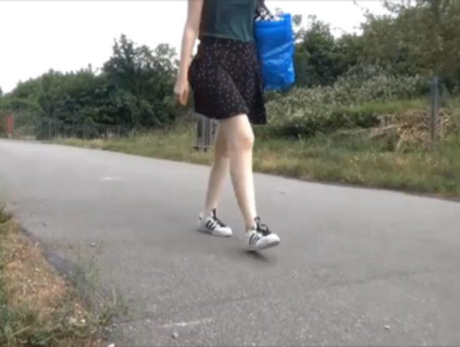 Spanner-Creampie**Passant fickt mich  neben dem Radweg