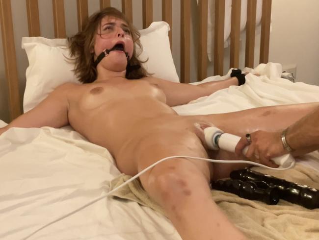 Abgestraft von Orgasmus zu Orgasmus